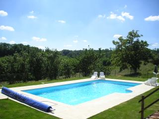 2 bedroom Gite with Internet Access in Castelnau-Magnoac - Castelnau-Magnoac vacation rentals