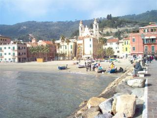 8 bedroom B&B with Central Heating in Laigueglia - Laigueglia vacation rentals