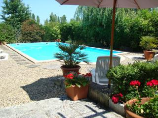 2 bedroom Gite with Internet Access in Miramont-de-Guyenne - Miramont-de-Guyenne vacation rentals