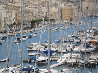2 bedroom Apartment with Internet Access in Senglea - Senglea vacation rentals