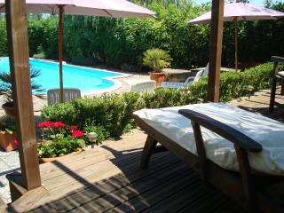 Perfect Gite with Internet Access and Satellite Or Cable TV - Miramont-de-Guyenne vacation rentals