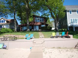 Beautiful beachfront cottage on Spring Lake - Grand Haven vacation rentals