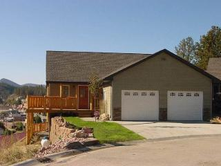IRON HORSE LOOKOUT - Hill City vacation rentals