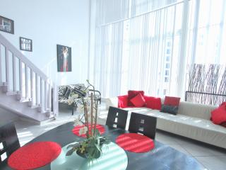Cozy Loft 4 Ocean and Pool View - Miami Beach vacation rentals