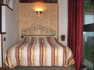 Romantic 1 bedroom Townhouse in Salsomaggiore Terme - Salsomaggiore Terme vacation rentals