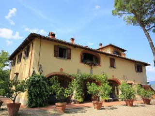 Nice 4 bedroom Rignano sull'Arno Bed and Breakfast with Internet Access - Rignano sull'Arno vacation rentals