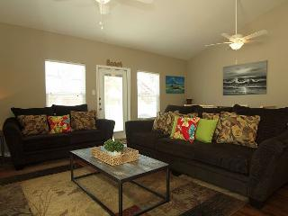 Beautiful Poolside property that's ready for Spring & Summer Guests! - Corpus Christi vacation rentals