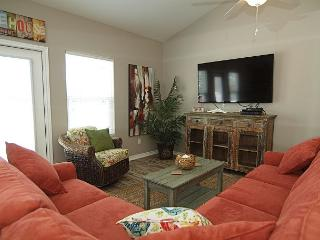 Beautiful Poolside property at the Luxurious Nemo Cay Resort! - Corpus Christi vacation rentals