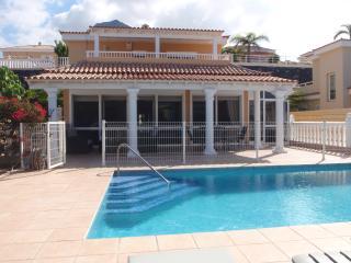 Nice 3 bedroom Costa Adeje Villa with Internet Access - Costa Adeje vacation rentals