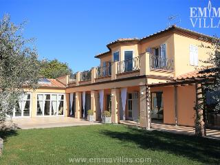 Charming House with Satellite Or Cable TV and Microwave - Livorno vacation rentals