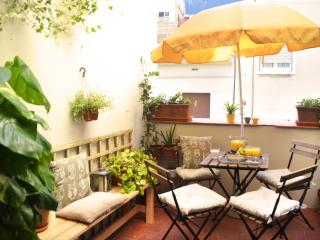 Nice penthouse with terrace - Barcelona vacation rentals