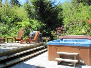 Cedar Shack Cabin by the Beach with Private Hot Tub - Tofino vacation rentals