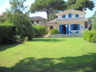 Villa a 20 metri dal mare - Terracina vacation rentals