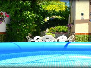 Nice House with Internet Access and A/C - La Zubia vacation rentals