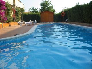 VILLA AUTONOMA CON PISCINA - Santa Marinella vacation rentals
