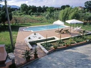 Perfect 1 bedroom Santa Maria a Monte Villa with Shared Outdoor Pool - Santa Maria a Monte vacation rentals