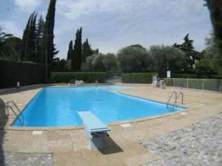 Villa Ad Alta - shared pool, A/C, 5 bed, sleeps 10 - Cannes vacation rentals