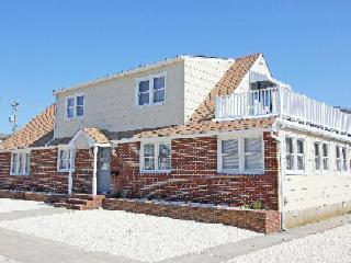 Bright 2 bedroom House in Avalon - Avalon vacation rentals