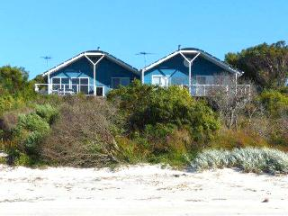 Nice House with Deck and Outdoor Dining Area - Island Beach vacation rentals