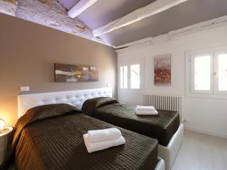 Rialto Sky - Venice vacation rentals