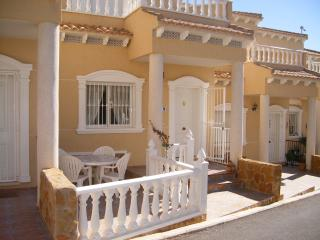 Nice Townhouse with Internet Access and A/C - Villamartin vacation rentals