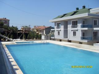Cozy 3 bedroom Buyukcekmece Condo with Internet Access - Buyukcekmece vacation rentals