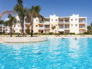 Apartment w/pool 2 min beach 5 pax - Alvor vacation rentals