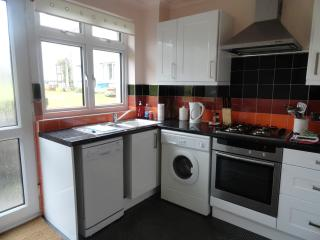 Bright 2 bedroom Vacation Rental in Edinburgh - Edinburgh vacation rentals
