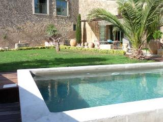 Nezignan L'Eveque villa in France with private pool sleeps 6 - Nezignan l'Eveque vacation rentals