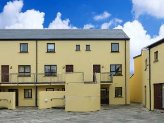 16 RUE D'ARZON, close to beach, great base for walking, close to amenities, in Lahinch, Ref 915428 - Lahinch vacation rentals