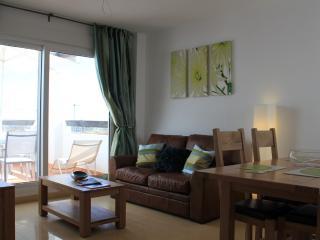 Beautiful 2 bedroom Murcia Condo with Internet Access - Murcia vacation rentals