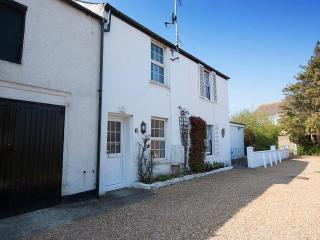 Comfortable 2 bedroom Cottage in Bognor Regis with Internet Access - Bognor Regis vacation rentals