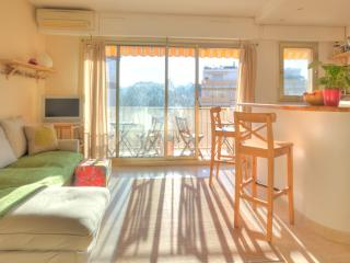 Romantic Studio by the Beach at 44 Foch - Antibes vacation rentals