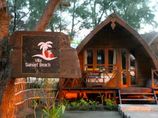 Beachfront, Sunset Bungalow - Gili Trawangan vacation rentals