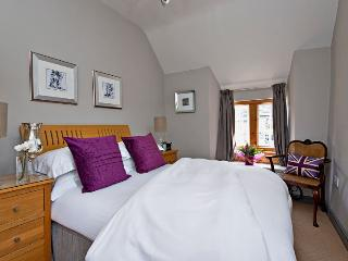 Perfect Cottage with Internet Access and Television - Bakewell vacation rentals