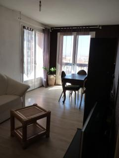 Comfortable Condo with Linens Provided and Parking - Perpignan vacation rentals