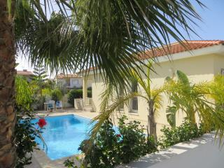 2 bedroom Villa with Internet Access in Pervolia - Pervolia vacation rentals