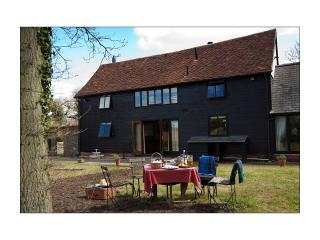 5 bedroom Farmhouse Barn with Outdoor Dining Area in Long Melford - Long Melford vacation rentals