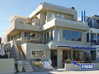 Charming and spacious 2 bed 2 bath Bay Front condo. - Pacific Beach vacation rentals