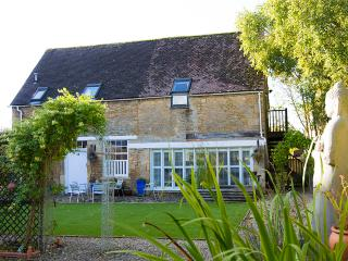 Nice Barn with Internet Access and Television - Lechlade vacation rentals