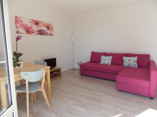 1 bedroom detached house in callac brittany france - Callac vacation rentals