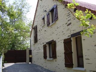 2 bedroom Gite with Television in Boussac - Boussac vacation rentals