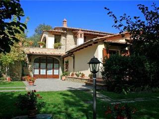 4 bedroom Villa in Cortona, Tuscany, Italy : ref 2068677 - San Pietro a Cegliolo vacation rentals