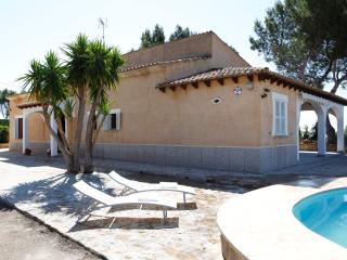 Cozy 3 bedroom Finca in Caleta de Fuste - Caleta de Fuste vacation rentals