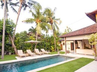 Aisha, Luxury 4 Bed Villa, Central Seminyak - Seminyak vacation rentals