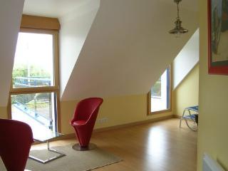 Perfect 4 bedroom Villa in Plouneour-Trez with Internet Access - Plouneour-Trez vacation rentals