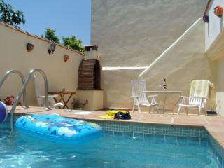 3 bedroom Townhouse with A/C in Cuevas De San Marcos - Cuevas De San Marcos vacation rentals