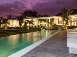 Pure Villa Estate, Outstanding 6 Bed/Bath, Canggu - Canggu vacation rentals