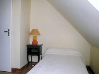 3 bedroom Villa with Satellite Or Cable TV in Plouneour-Trez - Plouneour-Trez vacation rentals