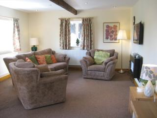 2 bedroom Cottage with Internet Access in Ormskirk - Ormskirk vacation rentals